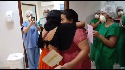 Após 34 dias internada, paciente recebe alta da Covid-19 no HUUFMA