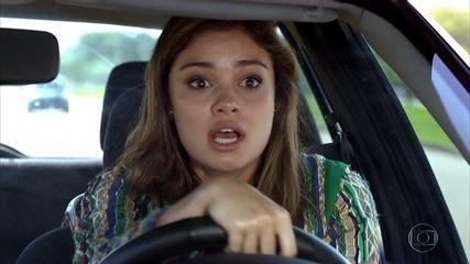 Amália sofre um acidente de carro