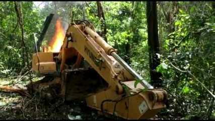 Imagens de satélite revelam o avanço de garimpos ilegais em terras indígenas