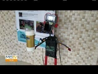 Com lixo eletrônico, estudantes criam robô com compartimento de álcool em gel