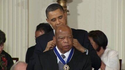 Morre, aos 80 anos, John Lewis, pioneiro do combate ao racismo nos Estados Unidos