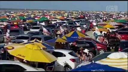 Final de semana em Salinas foi movimentado e com praia lotada.