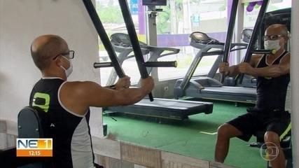 Alunos voltam para as academias de ginástica e são obrigados a se adaptar a novas regras