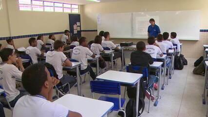 Fiocruz diz que volta às aulas pode expor 9 milhões de adultos do grupo de risco à Covid