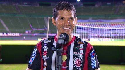 """Magno Alves fala depois de marcar o gol da vitória: """"Ainda dando um caldo"""""""
