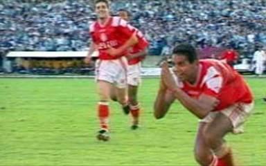 Em 1997, os gols de Internacional 5 x 2 Grêmio pelo Campeonato Brasileiro