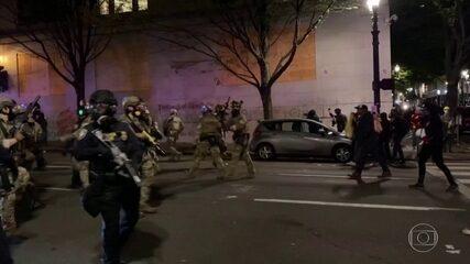 Cidade americana de Portland tem mais uma madrugada de caos