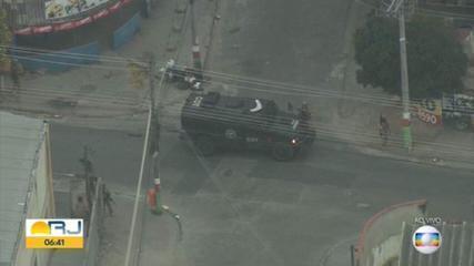 Polícia Federal faz operação na Vila Aliança, Zona Oeste do Rio