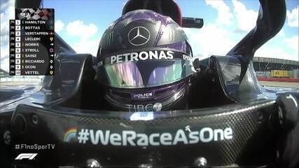 Lewis Hamilton faz a pole position para o GP de Silvestone