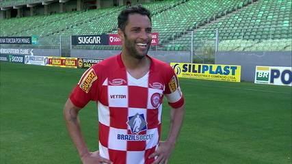 """Ibson comemora vitória e revela segredo do sucesso do Tombense: """"Bastante trabalho"""""""