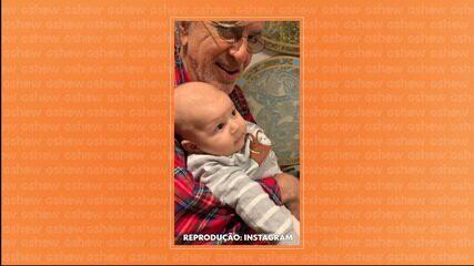 Caetano Veloso embala o neto Benjamim com música ao pé do ouvido e conquista a web