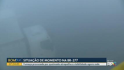 BR-277 fica interditada por causa da fumaça, em São José dos Pinhais