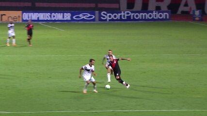 Melhores momentos de Atlético-GO 3 x 0 Flamengo pela 2ª rodada do Brasileirão