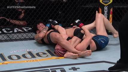 Os melhores momentos de Felice Herrig contra Virna Jandiroba no UFC 252