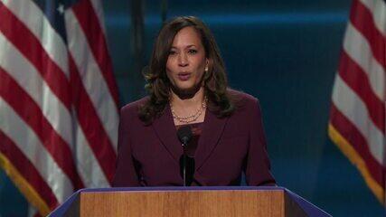 Kamala Harris, candidata a vice-presidente dos EUA, discursa na convenção democrata