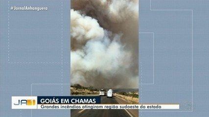 Bombeiros combatem grandes incêndios no sudoeste de Goiás