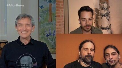 Junior Lima e Andreas Kisser conversam com Serginho
