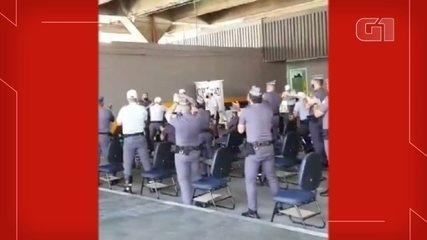 PM ameaçado por oficial após guinchar carro de vereadora é aplaudido em pé por colegas
