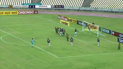 Robson cruza, e Marcinho cabeceia, mas Thiago Braga espalma, aos 20' do 2º Tempo