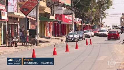 Comércio permanece fechado na Vila Pinho, em Belo Horizonte