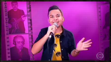 Matheus Martins canta 'Estou Apaixonado'
