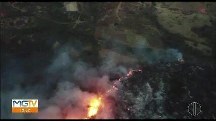 Bombeiros afirmam que 97 hectares da Serra do Mel já foram queimados; combate continua