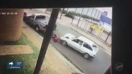 Amigos de homem prensado entre 2 veículos relatam pânico em acidente em Ituverava, SP