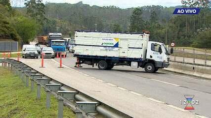 Rodovia dos Tamoios segue interditada e sem previsão para liberação