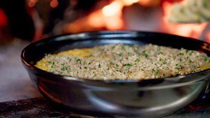 Rice and cheese: aprenda a fazer arroz com queijo gratinado