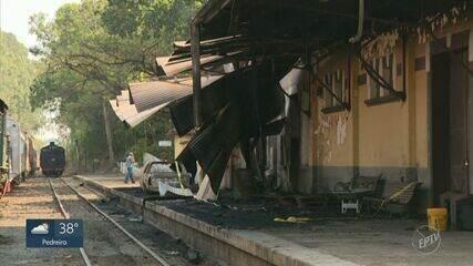 Incêndio na Estação Carlos Gomes, em Campinas, atinge locomotiva e veículos