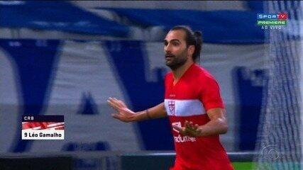 Léo Gamalho marcou seu nome com a camisa do CRB