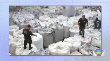 Polícia Federal e Receita Federal encontram cocaína em navio no Porto de São Sebastião