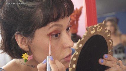 Paulinha dá dicas criativas para utilizar o batom além da boca