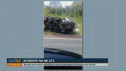 Batida entre caminhões deixa passageira gravemente ferida nos Campos Gerais