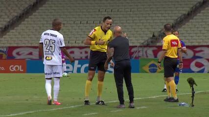 """Árbitro Sávio Pereira Sampaio dá bronca em Jorge Sampaoli e Rogério Ceni: """"Respeito, ok?"""""""
