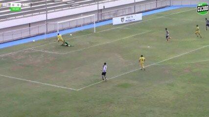 John aproveita erro do goleiro, marca e classifica Galvez da Copa do Brasil Sub-20