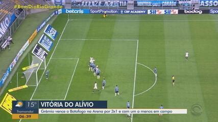 Grêmio vence o Botafogo com brilho de Pepê e um a menos