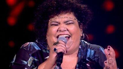 """Simone Mazzer canta """"Vaca Profana"""""""