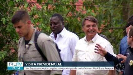 Bolsonaro chega a Resende para cumprir agenda na Academia Militar das Agulhas Negras