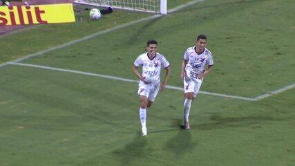 Nikão dá assistência, e Léo Cittadini marca no Atlético-GO 1x1 Athletico