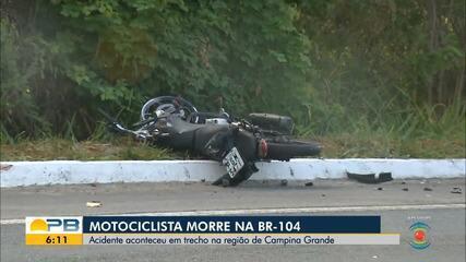 Motociclista colide de frente com caminhão e morre no local, na BR-104