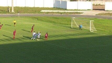 Max perde pênalti para o River-PI após ter gol anulado por invasão na área; veja