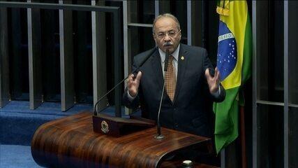 Crescem articulações no Senado para que Chico Rodrigues peça licença do cargo