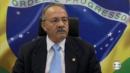 Presidente do Conselho de Ética sugere licença para senador flagrado com dinheiro na cueca