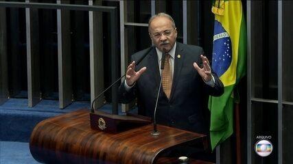 Flagrado com dinheiro na cueca, senador Chico Rodrigues pede afastamento