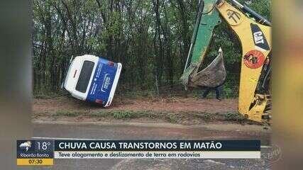 Chuva causa alagamentos e deslizamento de terra em rodovias de Matão
