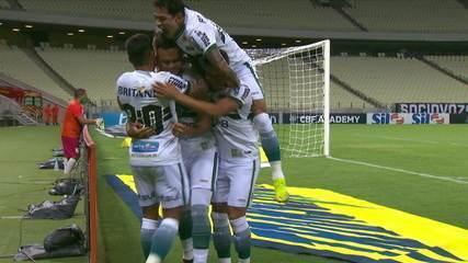 Gol do Coritiba! Rodrigo Muniz aproveita falha e abre o placar, a 1' do 1º Tempo