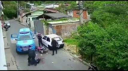 PM investiga imagens que circulam na internet de abordagem de PMs a jovem em Petrópolis