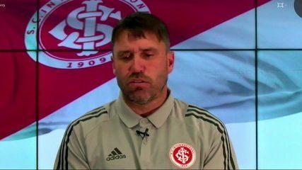 """Coudet cita nomes e agradece oportunidade de trabalhar com técnicos brasileiros: """"É uma aprendizagem constante"""""""