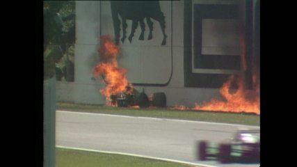 Em 1989, Gerhard Berger bate na Tamburello e tem o carro incendiado em Imola